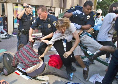00-01m-occupy-wall-street-19-10-11-san-diego-ca-usa