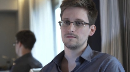 Edward-Snowden-The-US-Is-Hacking-Everyone-Everywhere-2